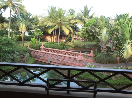 Park Hyatt Goa Resort and Spa: View of the lagoon and the balcony from room