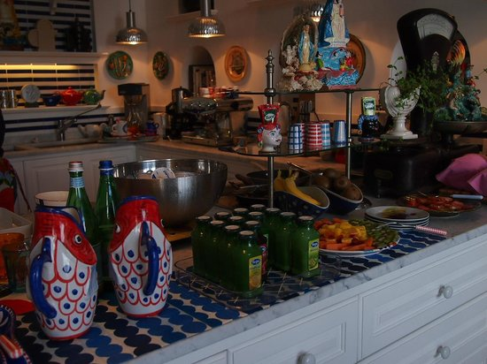 Maison La Minervetta : The Breakfast spread!