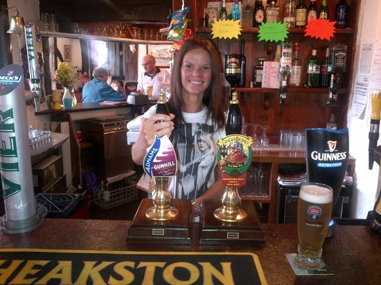 Wigan, UK: Friendly Bar Staff