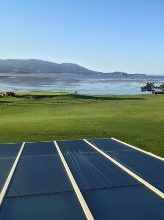 Pebble Beach, CA: Overlooking 18th green