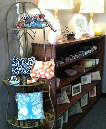 Front Royal, VA: handbags, throw pillows, sachets, etc.