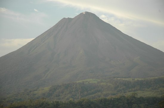 The Springs Resort and Spa at Arenal: A crisp view of the volcano venting