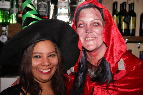 Loughborough, UK: Halloween party