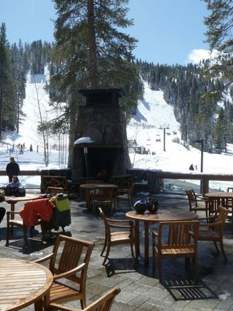 Resort at Squaw Creek: outdoor fireplace