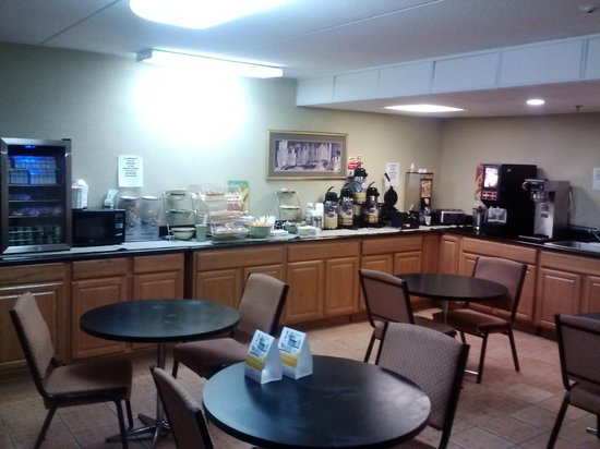 Fayetteville, Carolina del Norte: BREAKFAST ROOM