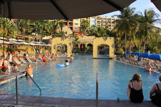 Marriott's Frenchman's Cove: View of pool from Sunset Cove Poolside Bar & Grill