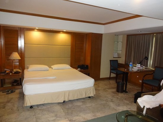 Royal President Bangkok: Room from inside