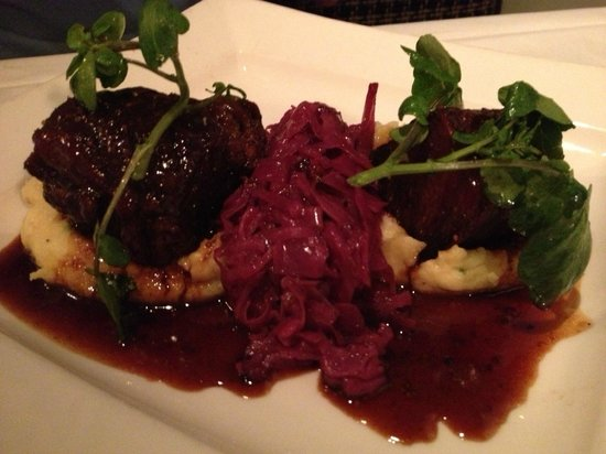 Lafayette, CA: Braised short rib, very good!