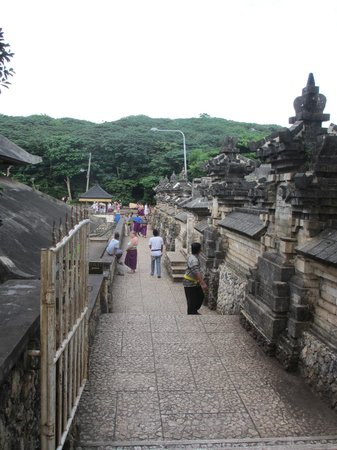 Uluwatu, Indonesia: Temple Ground