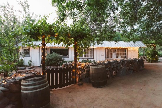 Cornville, AZ: Our Vineyard Bar (open on Saturday's).