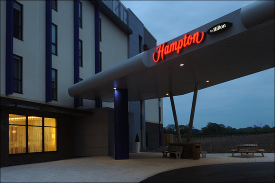 ‪Hampton by Hilton Exeter Airport‬