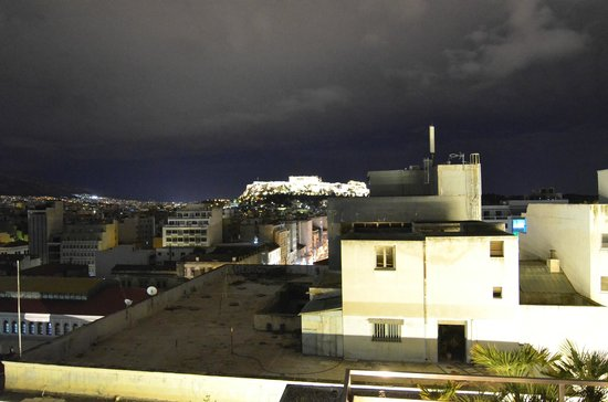 Fresh Hotel: Acropolis view from roof top restaurant