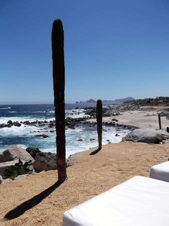 Hacienda Encantada Resort & Spa: Get a lounge early for this view all day