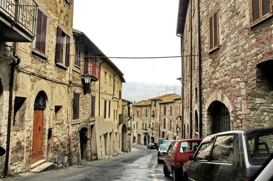 Todi, Itali: stradine