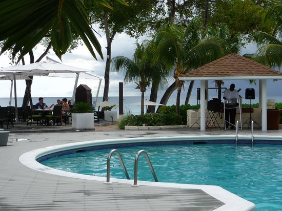 Paynes Bay, Barbados: Pool alfresco dinning