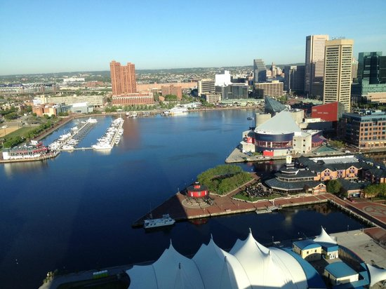 Baltimore Marriott Waterfront: View of Inner Harbor from Room 2717