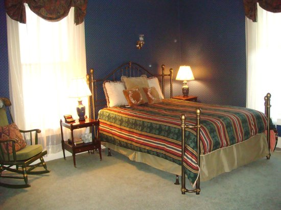 Rutland, VT: Now with king bed!