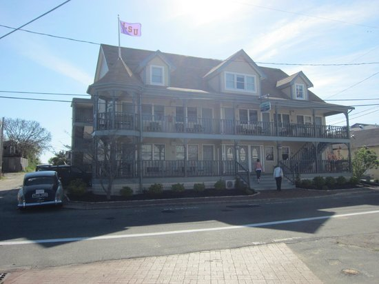 Oak Bluffs, MA: Dockside Inn