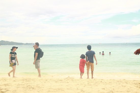 Boracay Garden Resort: white sand beach