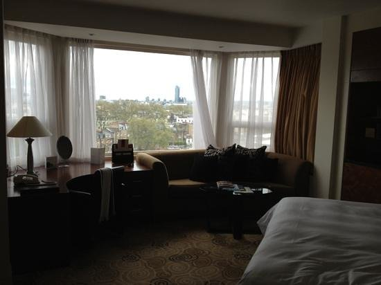 Sheraton Park Tower: bedroom