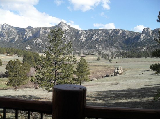 Black Canyon Inn: Clear morning view from the porch