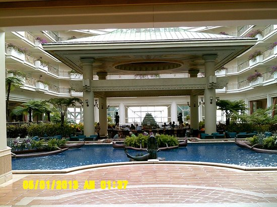 Grand Wailea - A Waldorf Astoria Resort: Resort Atrium