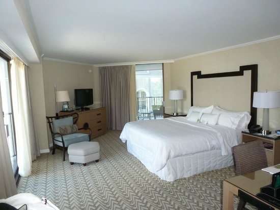 Moana Surfrider, A Westin Resort & Spa: THE ROOM