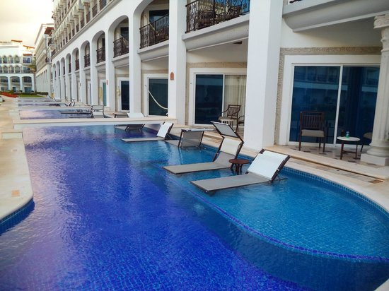 The Royal Playa del Carmen: swim-up suites