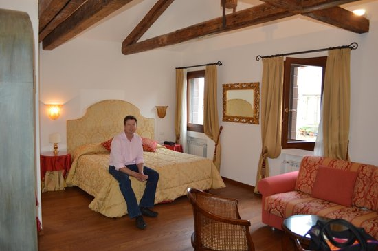Ca dei Polo : very large rooms with character