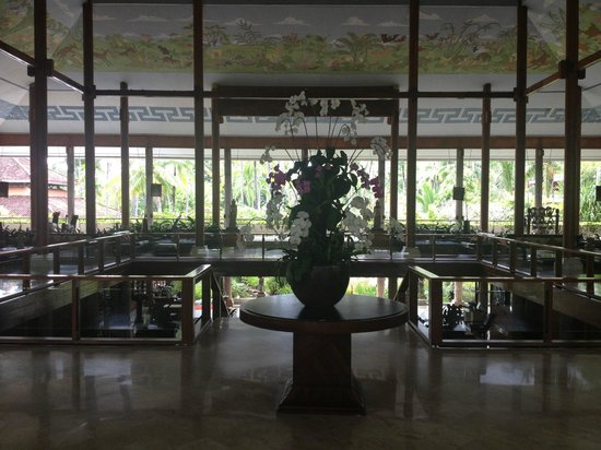 Melia Bali Indonesia: One of a hundred of the amazing entrance