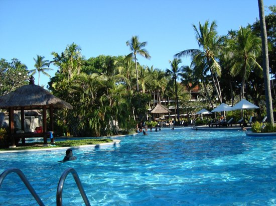 Melia Bali Indonesia: We were in the pool very late at night, perfect