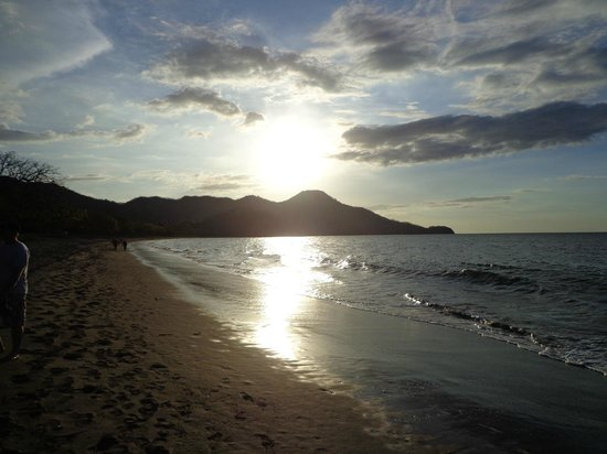 Hotel Riu Guanacaste: Sunset from Beach