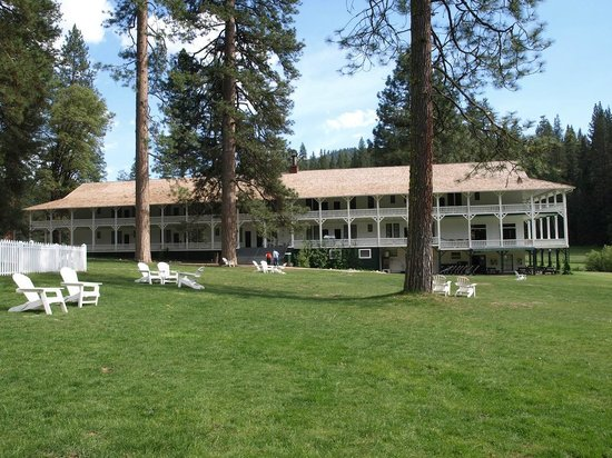 Wawona Hotel: Wawona Our Bldg