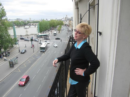 Hotel du Quai-Voltaire: on the balcony