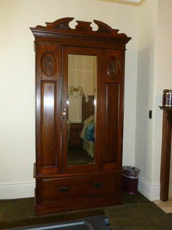 The Horton Grand Hotel and Suites: Wood wardrobe