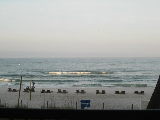 Days Inn Panama City Beach/Ocean Front: view if stepped up to railing