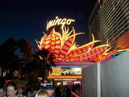 Flamingo Las Vegas Hotel & Casino: front of the hotel