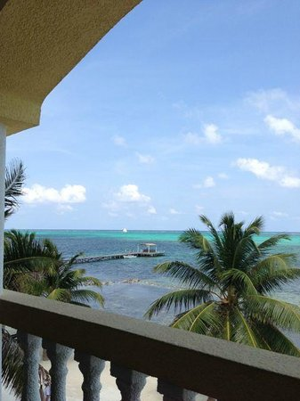 Pelican Reef Villas Resort: one of the views
