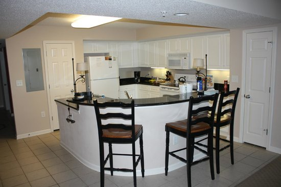 Myrtle Beach Barefoot Resort: The very spacious and well appointed kitchen