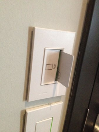 Hotel Le Germain Calgary: Keycard required to activate lights