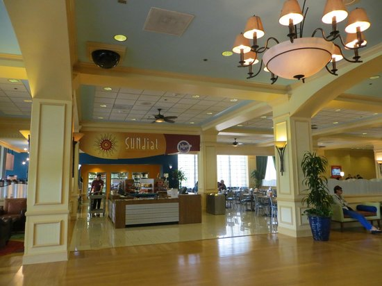 Wyndham Lake Buena Vista: Coffee shop & convenience store seating