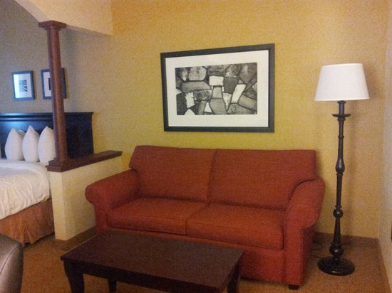 Eagan, MN: Newly Renovated 2 Queen Suite