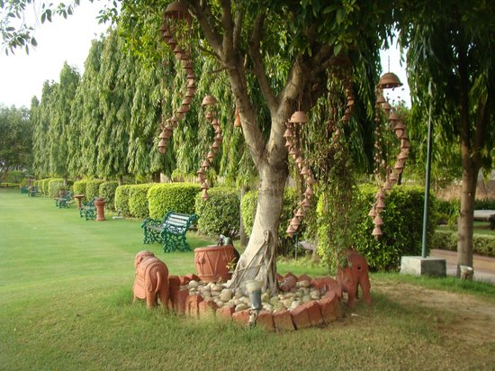 Heritage Village Resort & Spa Manesar: Garden
