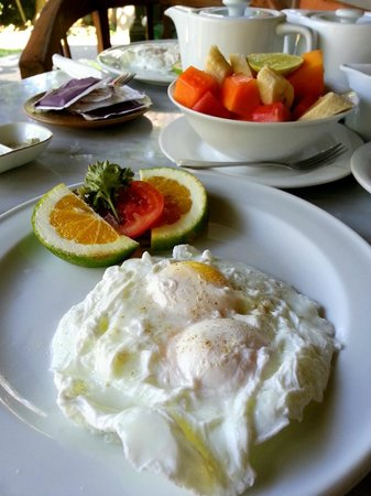 Kebun Indah: Breakfast - perfectly poached eggs