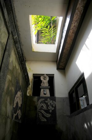 Kebun Indah: Shower area with open ceiling
