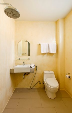Casa Jip Guesthouse: bathroom standard room