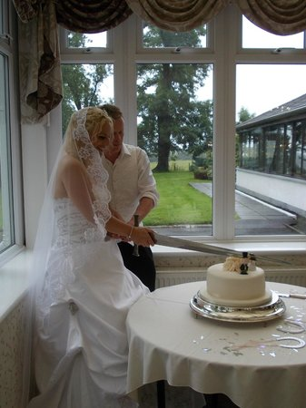 BEST WESTERN Dryfesdale Country House Hotel: Wedding cake
