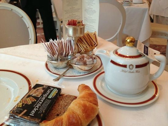 Hotel Sacher Wien: Breakfast