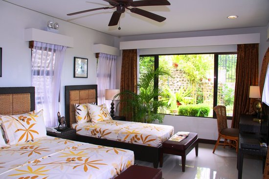 San Carlos City, Filipina: Ridge Villa