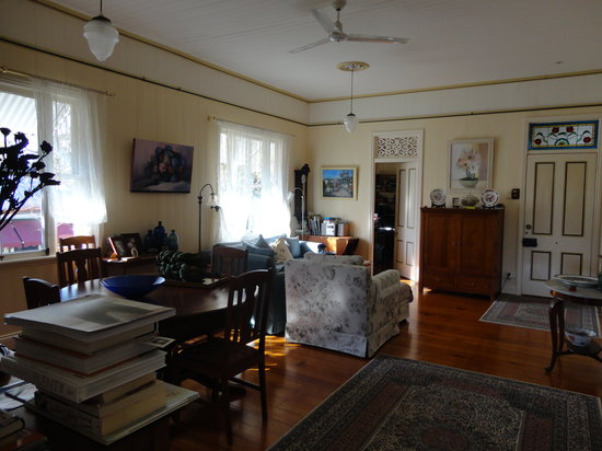 Aynsley Bed and Breakfast: living room